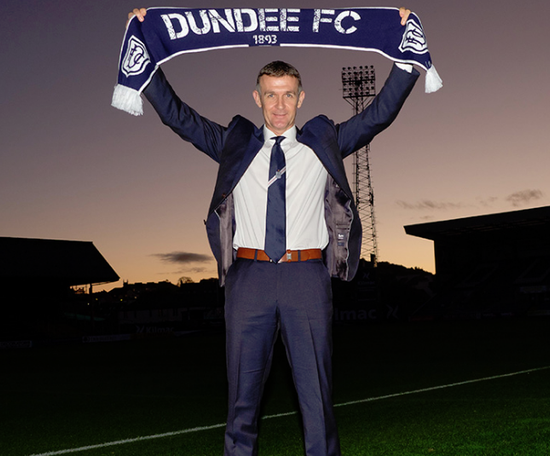 Jim McIntyre has signed a one-year rolling deal. Twitter/DundeeFC