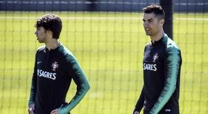Treinador do Benfica considera injusto João Félix com Cristiano Ronaldo. AFP/PatriciaDeMeloMoreira