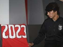 Joao Felix renueva con el Benfica. Twitter/SLBenfica