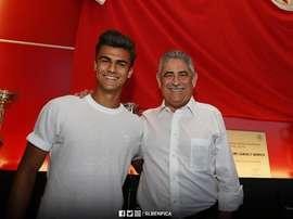 O internacional sub-19 por Portugal fica ligado às 'águias' até 2022. Twitter/Benfica