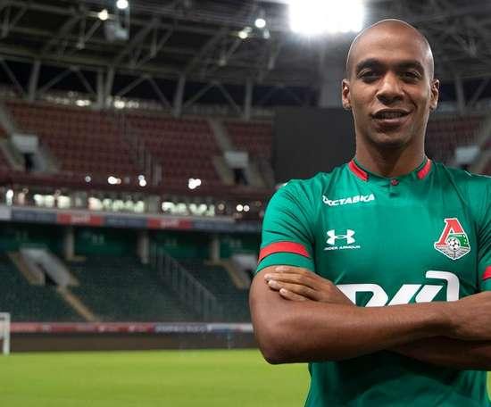 João Mário é do Lokomotiv Moscou. Lokomotiv