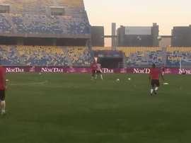 Joao Moutinho y Rony Lopes jugaron 'a que no caiga'. Twitter
