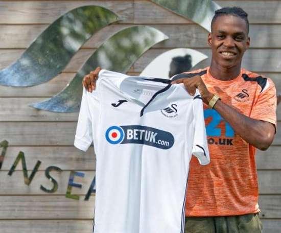 Asoro, nuevo jugador del Swansea City. SwanseaCity