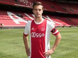 O internacional holandês prolongou a sua ligação ao Ajax. Twitter/Ajax