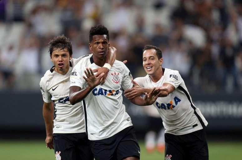 Jô foi artilheiro no Japão, mas teria espaço no Corinthians de 2020? Twitter Corinthians