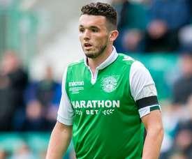 John McGinn est envoyé à Leicester. HibernianFC