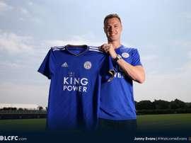 Evans, lors de sa présentation en tant que joueur de Leicester. LeicesterCity