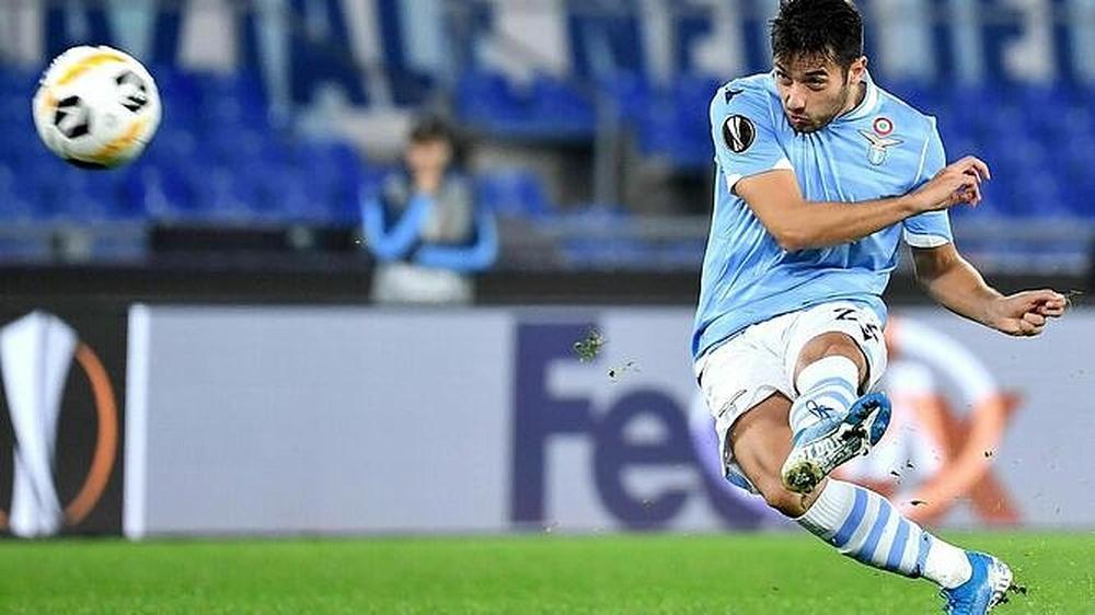 El asturiano vuelve a entrenar con la Lazio tras su cesión en Osasuna. EFE/Archivo