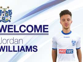 Williams llega cedido desde el Huddersfield. BuryFCOficial