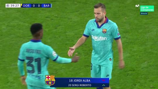Alba sort sur blessure à la 39e minute contre Dortmund. Captura/MovistarLigadeCampeones