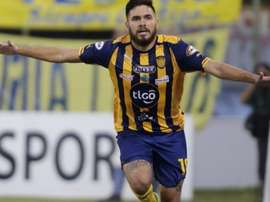 Jorge Ortega, jugador de Sportivo Luqueño, ha firmado un precontrato con Coritiba. Twitter