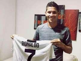 Campuzano ya tiene la camiseta de Cristiano en la Juve. Instagram/JormanCampuzano