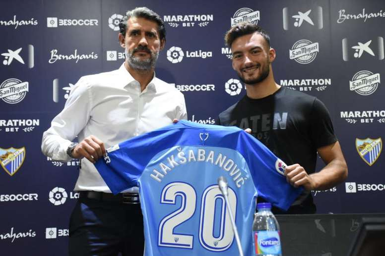 José Luis Pérez Caminero and Sead Haksabanovic, at his presentation as a Málaga player. BeSoccer
