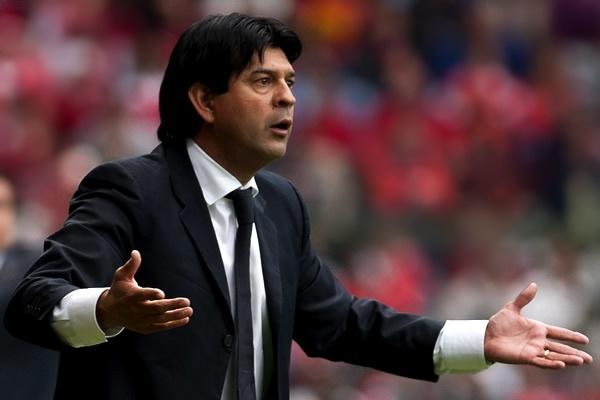 Cardozo alabó a uno de sus jugadores. AFP/EFE