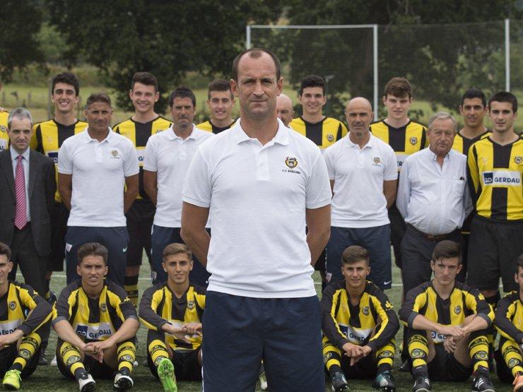 Joseba Etxeberria inicia su etapa como míster del Basconia. CDBasconia