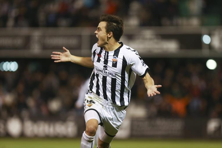 Muguruza hizo el mejor gol de la temporada. CD_Castellon