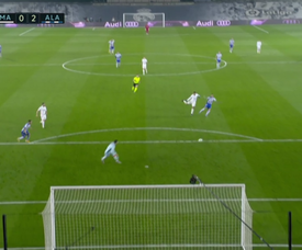 Joselu doubled Alaves' lead after a howler by Courtois. Screenshot/MovistarLaLiga
