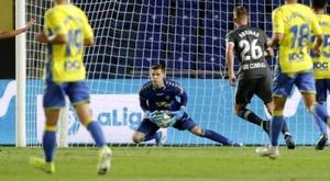 O goleiro não terminará a temporada no Las Palmas. LaLiga