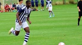 O jovem jogador interessa vários clubes da Premier. Twitter/WBA