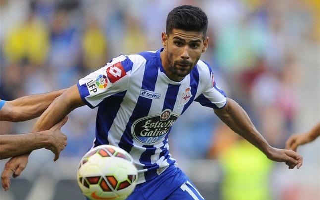 El jugador se marchó dolorido de la primera sesión de entrenamientos. AFP