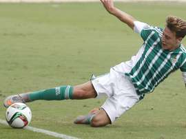 El Betis renueva su confianza en el delantero Juanma. RealBetisBalompié