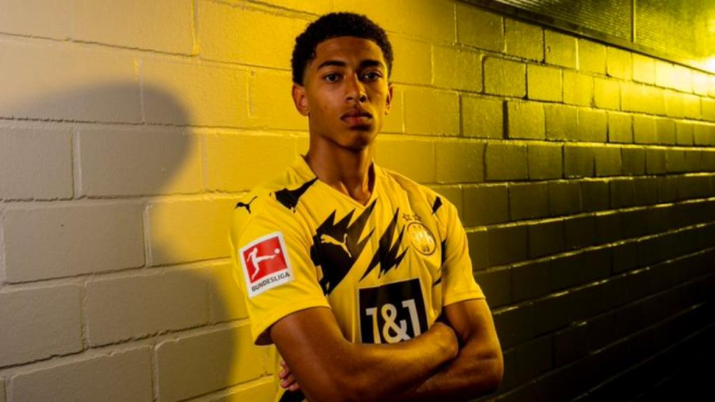 Police investigating 'abhorrent' racist comment made to Borussia Dortmund teenager Jude Bellingham