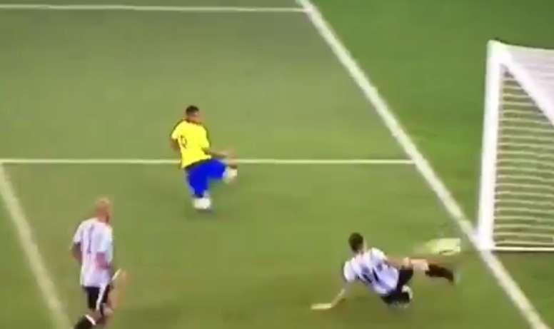 L'action du Brésil pour tenter d'égaliser. Teledeporte