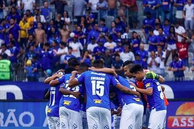 Em menos de 48 horas, 30 mil novos torcedores se associaram em campanha do Cruzeiro. Twitter/Cruzeir