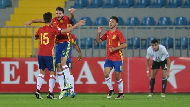Villarreal y Barcelona tienen representación en todas las categorías internacionales con España. AFP