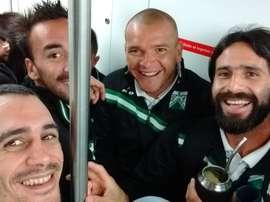 Los jugadores de Ferrocarril fueron en metro a un partido. Racingcharo