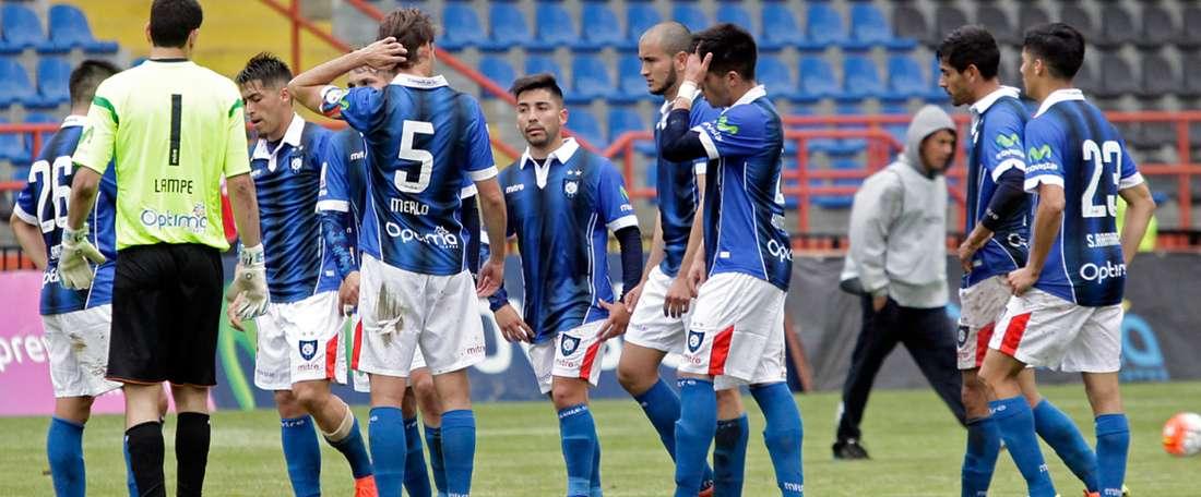 El conjunto chileno tendrá que fichar para mejorar su centro del campo. HuachipatoFC