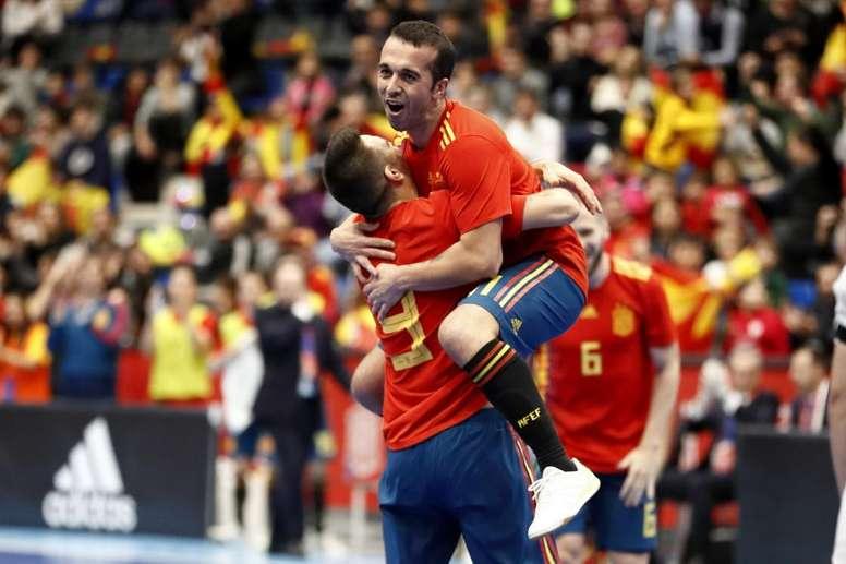 España se volverá a medir este martes con Japón. Twitter/SeFutbol