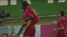 Portugal arrasa a Italia en el debut. Captura/UEFATV