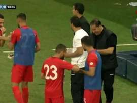 Tunisia's players ate dates during the stoppage. Screenshot