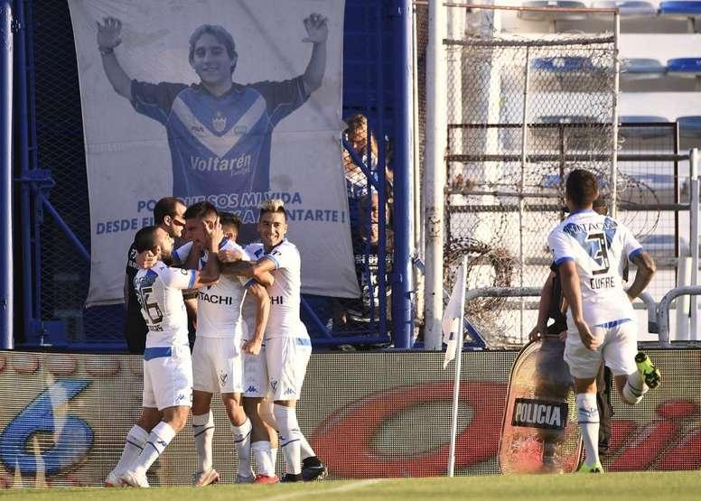 Vélez acaricia la Copa Libertadores. Velez