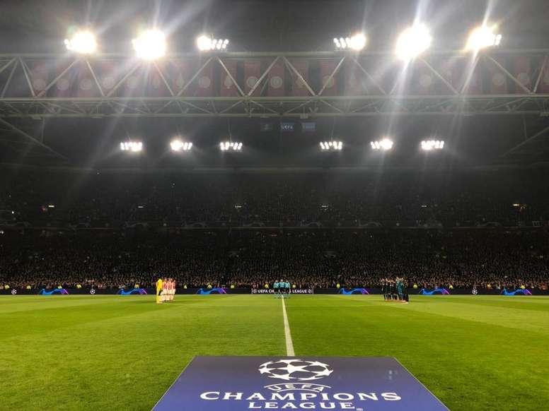 Otro homenaje más al delantero fallecido. AjaxFC