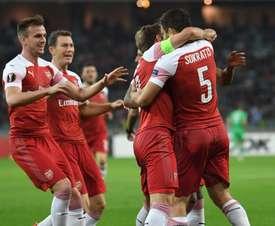 Unai duda en convocar a Sokratis. Twitter/ArsenalFC
