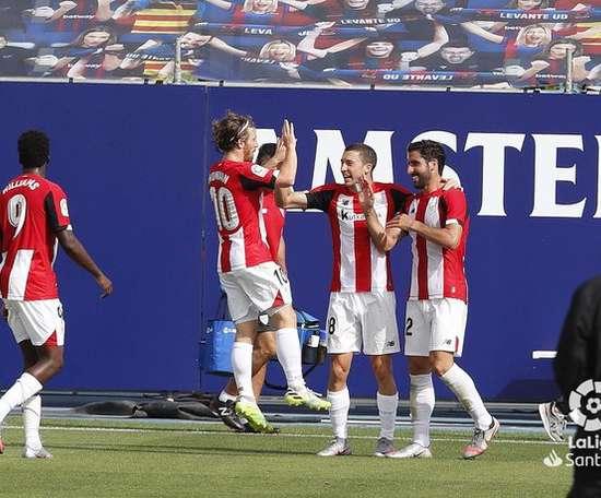 Dos goles de Raúl García meten al Athletic en puestos europeos. LaLiga