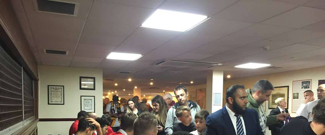 El Bradford City presenta a Matthew Kilgallon. OfficialBantams
