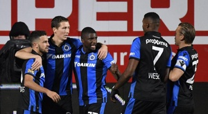 Belgian League wants to set an example: yellow and 750 euro fine for hugging. ClubBrugge
