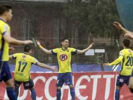 Jugadores del Concepción celebrando un gol ante Huachipato. Ambos clubes han sido multados por incumplir el 'fair play' financiero.