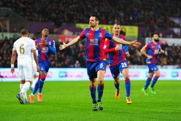 El Crystal Palace logró empatar el partido y llevarse un punto del Liberty Stadium. Twitter