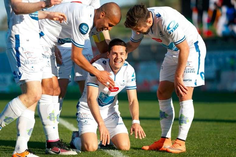 Jugadores del FK Haugesund son presentados a ritmo de una famosa serie. FKHaugesund