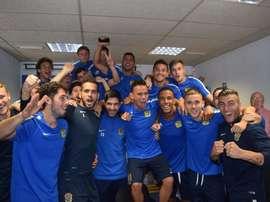 Les joueurs de Fuenlabrada célébrant le tirage au sort de Coupe de roi. CFuenlabradaSAD