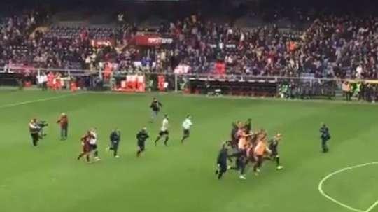 Genoa a sombré dans la folie après le match. Twitter/GalloniGuido