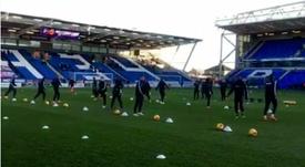 Jugadores del Gillingham, durante un entrenamiento en su estadio. Gillingham