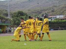 Jugadores del Guastatoya celebrando un tanto en el partido contra el Malacateco. Twitter.
