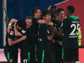 Jugadores del Hannover, celebrando un gol. Twitter