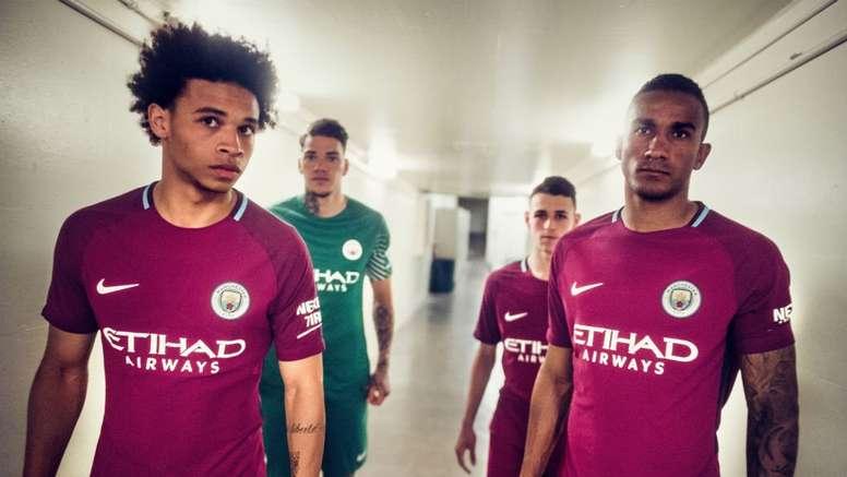 aca249de314 Manchester City stars unveil new pink away kit - BeSoccer