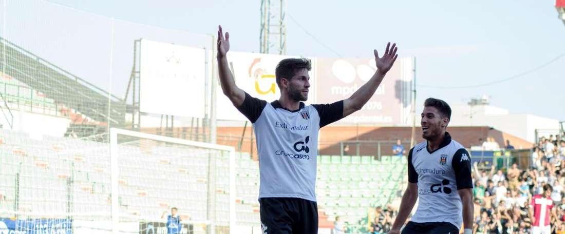 El Mérida le endosó cuatro goles a Las Palmas Atlético. ADMérida